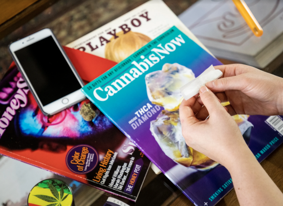 Curved Papers Launches 'Easy To Roll' With Mike O'Malley On Sundays This Summer